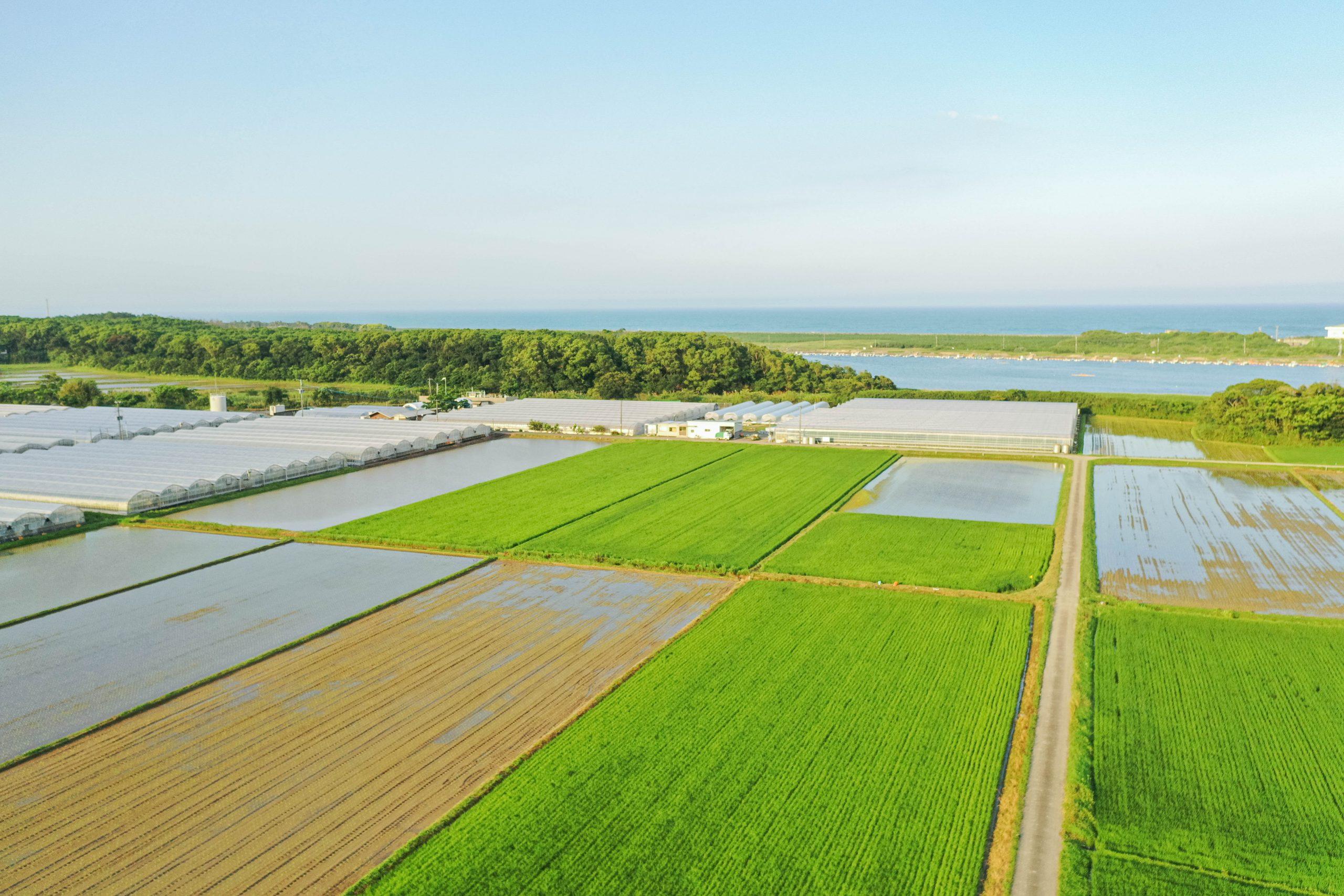 農業の町ー宮崎県新富町ー開発ラボ遠景ードローン撮影