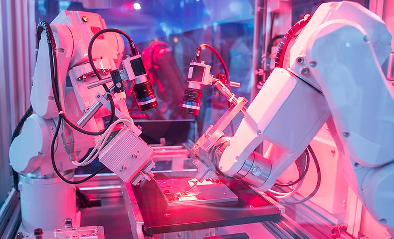 ロボットアームが自動で製造