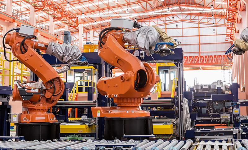 3台の自動組立ロボット