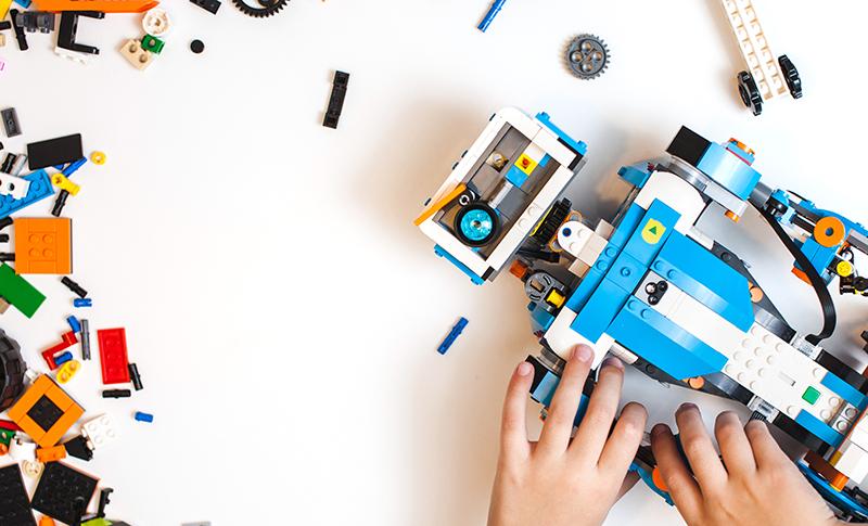 ロボットをブロックで作る